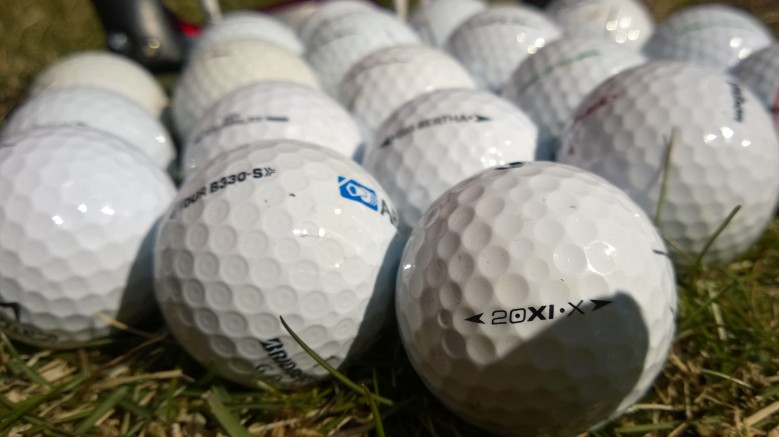 NILA Golf palloja
